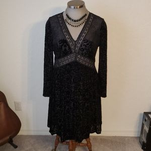 ROMEO & JULIET BLACK VELVET BURNOUT DRESS  14  NWT